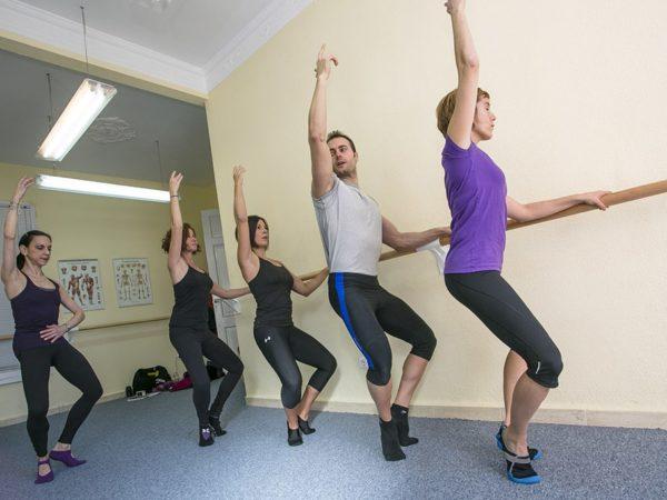 Beneficios de practicar Pilates en barra